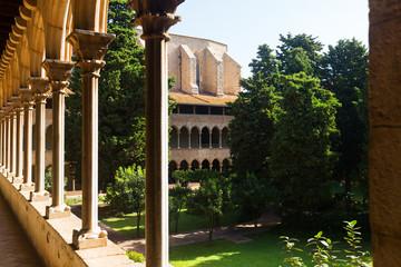 inner courtyard of Pedralbes Monastery