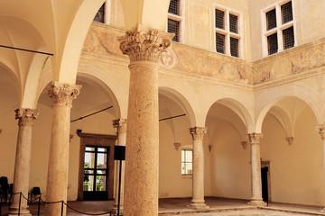 interno di edificio pienza toscana
