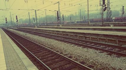 Bahngleise Bahnsteig retro