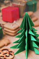 Origami Christmas tree and gingerbread cookies
