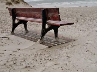 Bank am Strand von Amrum