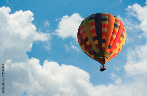 Poster Ballon Hot air balloon in the sky