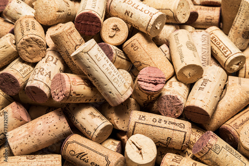 Papiers peints Bar old wine corks
