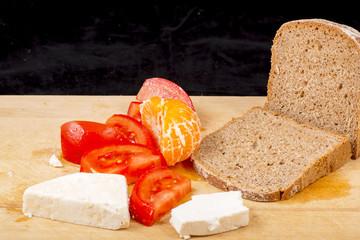 Bread, cheese, tomato