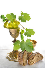 Calici Eucarestia con pane e uva
