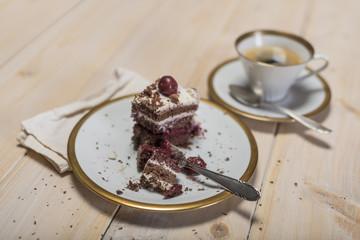 Schwarzwälder Kirsch Torte und Kaffee