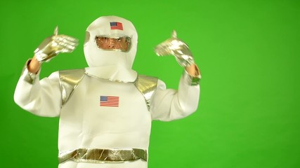 astronaut welcomes - green screen