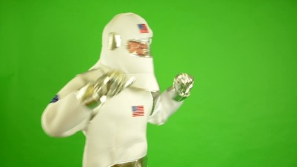 astronaut dances - green screen