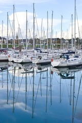 Reflets bâteaux port