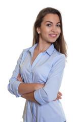 Attraktive Frau mit langen braunen Haaren