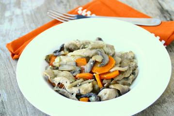 sauté de dinde aux carottes et champignons