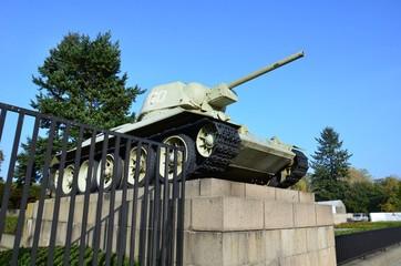 Char de combat, Tiergarten, cimetière militaire, Berlin