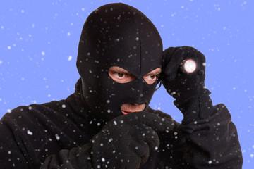 Einbrecher im Winter