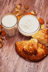 milk with curd and pie