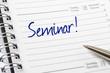 Terminkalender mit dem Eintrag Seminar - 74022454