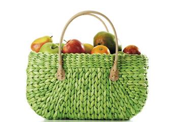 Früchte in der Einkaufstasche