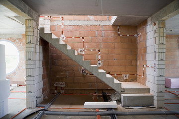 Treppe eines Hauses im Bau
