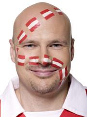 Erwachsener Mann mit österreichischer Flagge auf Gesicht gemalt