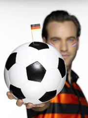 Männlicher Fußballfan aus den Niederlanden