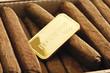 Goldbarren in Zigarrenkiste