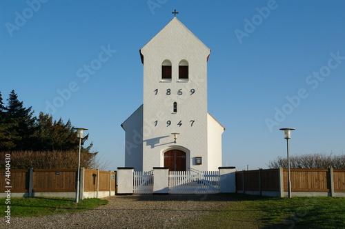canvas print picture Kirche in Kirkehavn in dänemarks Jütland 2