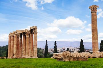 Beautiful Zeus temple in Athens, Greece