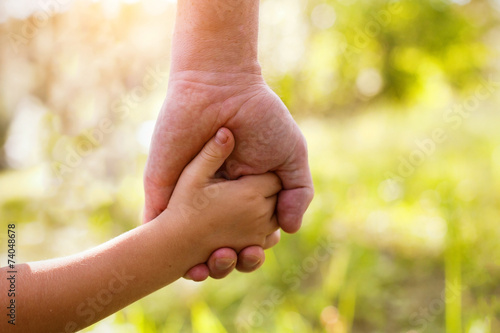 father and child - 74048678