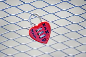 lock-heart on a lattice bridge