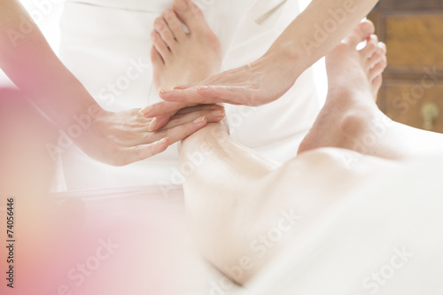 poster of Esthetician for a woman of foot massage