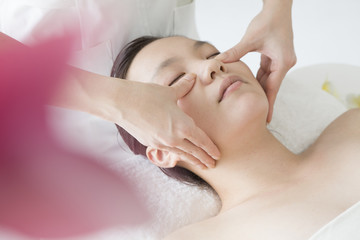 Massage under the eyes