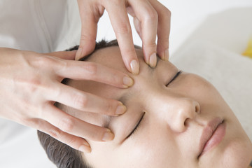 Forehead massage