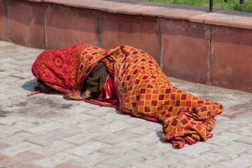 Obdachlose Frau in Indien