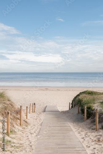 Leinwanddruck Bild entrada a la playa 02