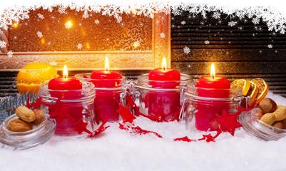4 Kerzen und Schneesterne zum Advent
