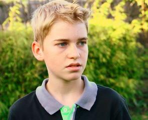 adolescent,13 ans,pensif