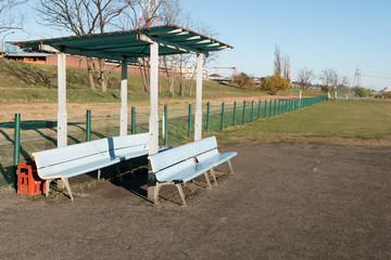 野球場のベンチ