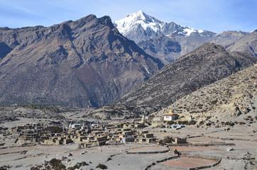 Непал, треккинг в Гималаях. Старое селение Нгвал