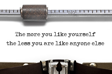 Typewriter Be Yourself