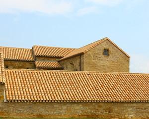 toitures romanes sur bâtisse rénovée