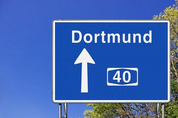 Wegweiser auf A 40, Richtung Dortmund