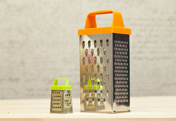 Kitchenware - grater small and large