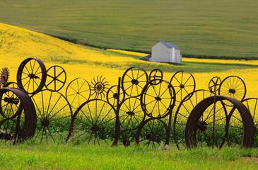 Fence of wheel rims