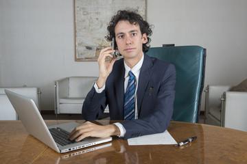 manager al telefono