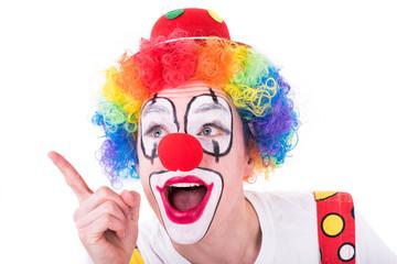 clown zeigt mit dem finger
