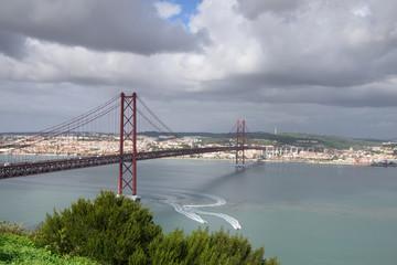 Vista panoramica para Lisboa e Rio Tejo