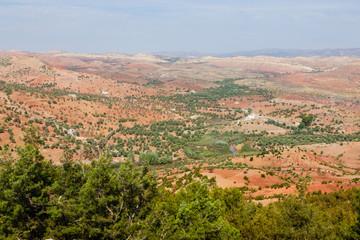 Afourer aan de R204 in Marokko