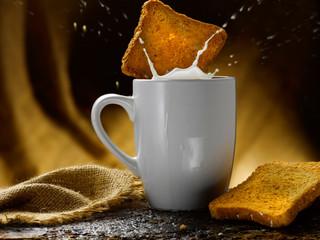latte e fette biscottate