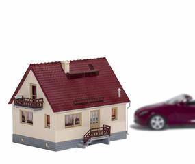 Коттедж и автомобиль