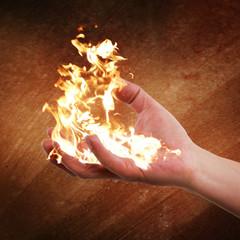 brennende Hand