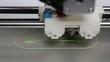 3D Drucker druckt einen Schraubenschlüssel im Zeitraffer